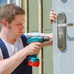 Emergency 24Hr Door Repair & Door Replacement Service Walworth SE17 & across South East London