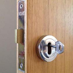 Locked In or Locked Out of your Home or Workplace in Turnham Green W4 or across West London?